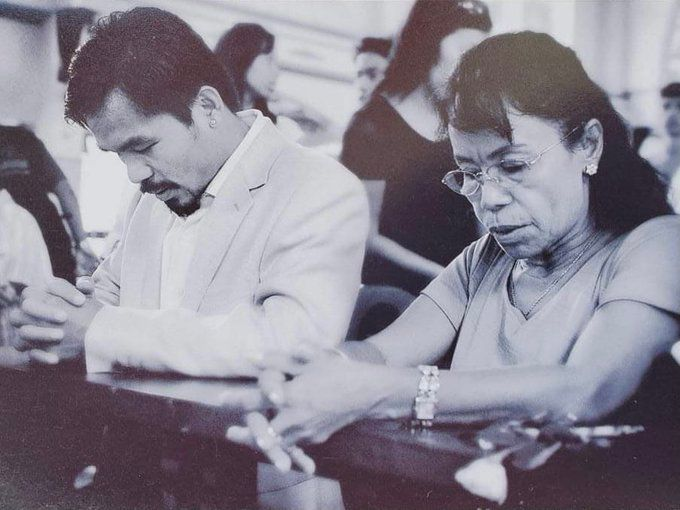 Pacquiao with his mother Dionisia