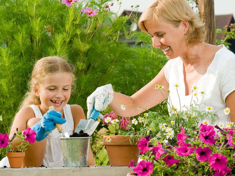 Mum kid garden