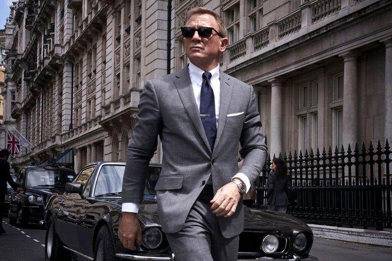 TAB Daniel Craig as Bond-1632304919989