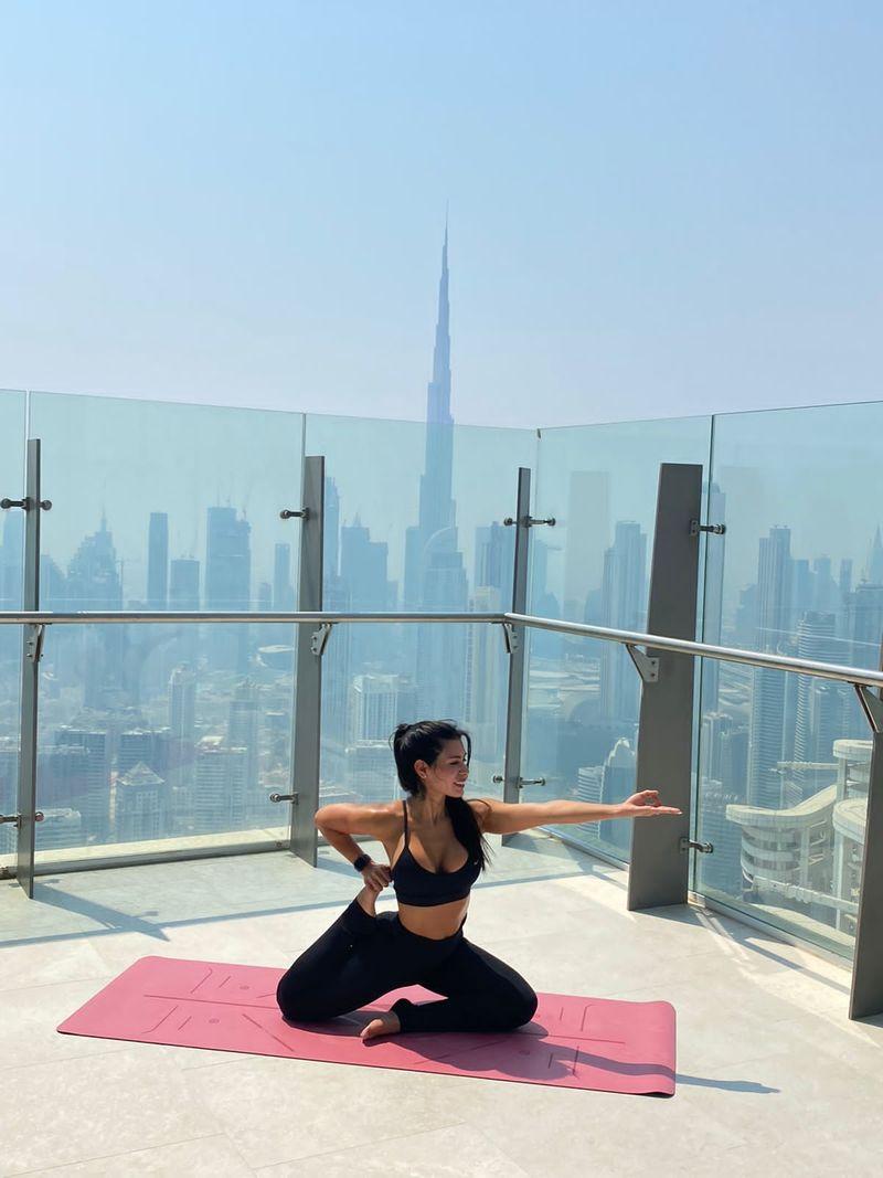 SLS Yoga Class