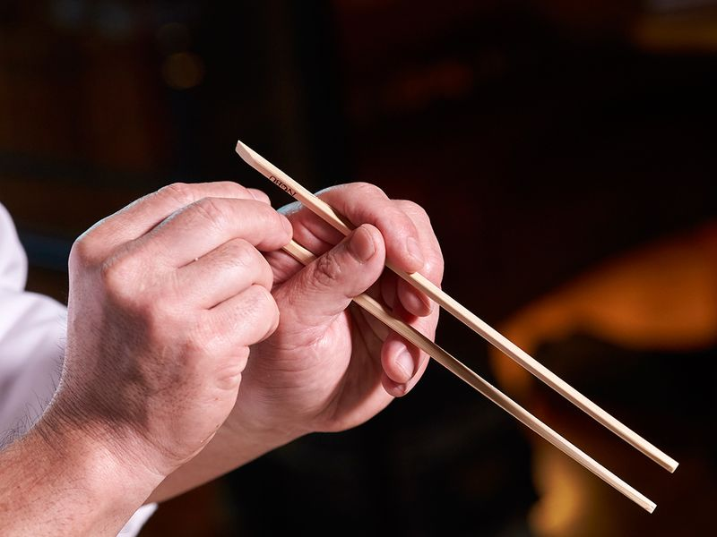 How to eat sushi with a chopstick