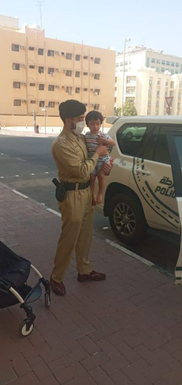 NAT Dubai policeman bring joy to child-1632994576730