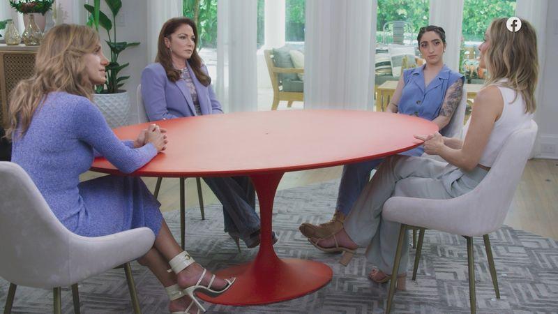 Gloria Red Table Talk-1633067673384
