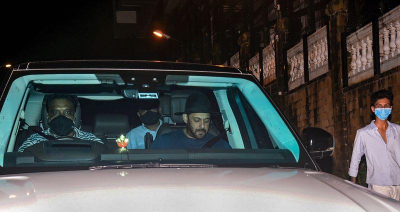 Salman Khan spotted outside Shah Rukh Khan's home following the arrest of Aryan Khan
