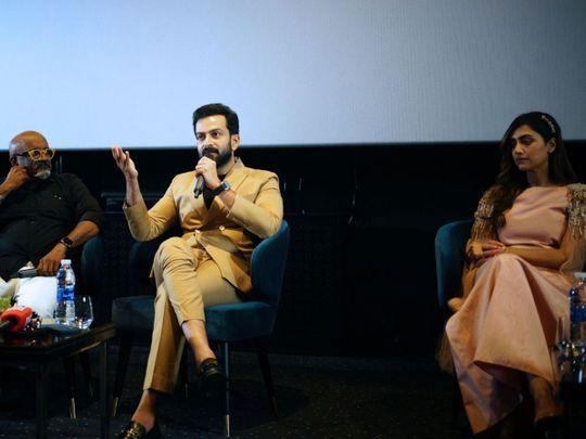 Prithviraj and Mamta Mohandas with director Ravi  in Dubai
