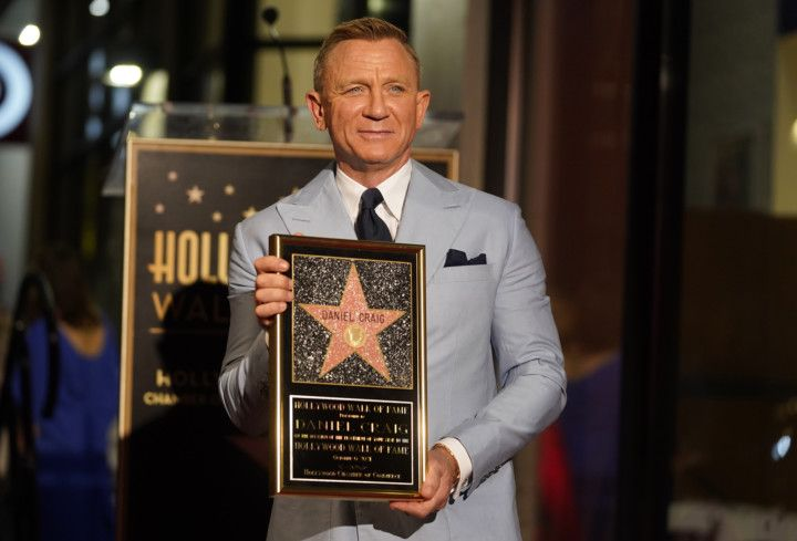 Copy of Daniel_Craig_Honored_with_a_Star_on_the_Hollywood_Walk_of_Fame_31818.jpg-03288-1633585118264