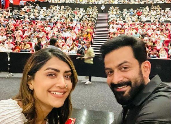 Mamta Mohandas and Prithviraj in Dubai for world premiere