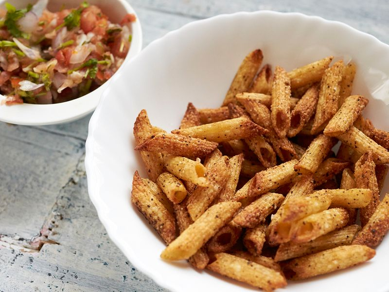 Penne pasta chips