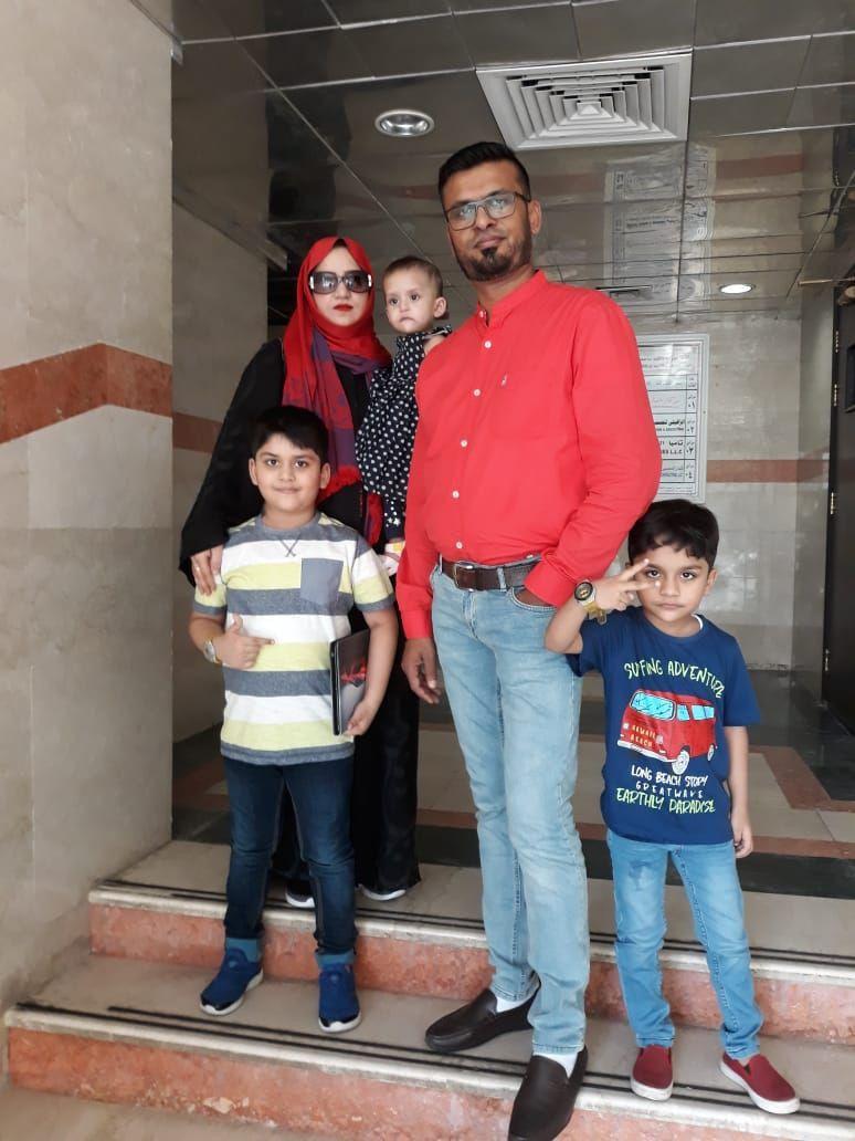 Hajirah Farooq and her parents Mohammad and Habiba.-1633670677173