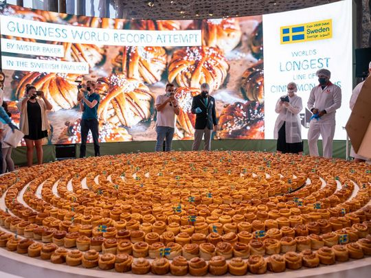 World's-Longest-Line-of-Cinnamon-Buns-world-record-at-Expo-2020-1633779238415