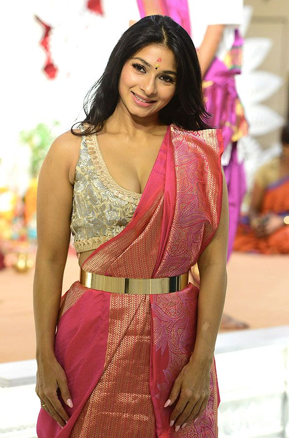 Bollywood actress Tanisha Mukherjee poses for a picture as she attends the North Bombay Sarbojanin Durga Puja Samiti during Durga Puja festival celebrations in Mumbai on October 13, 2021.