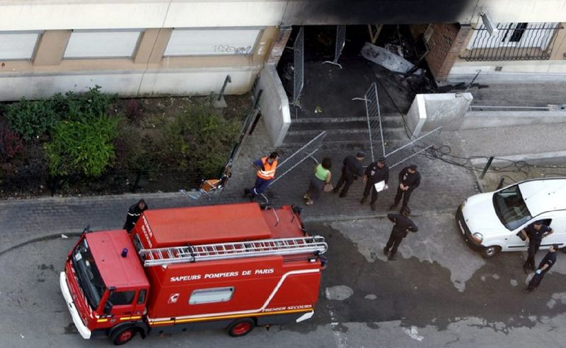 In 2005 smoke from a fire in the entrance to an 18-storey block of flats in L'Hay-les-Roses, south of Paris, killed 18 people. Four girls admitted setting fire to mailboxes in the building after argument