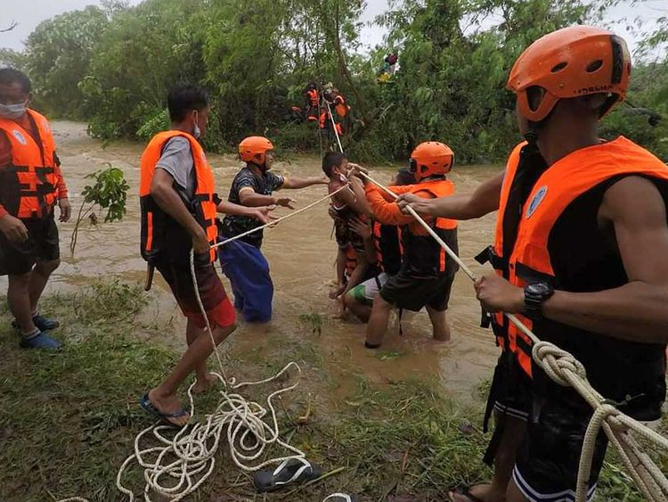 Philippines flood rescue
