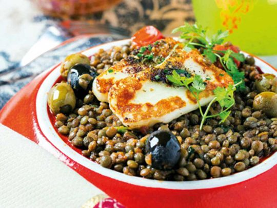 Puy lentils with halloumi