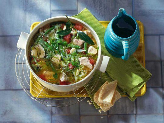 Summer vegetable stew with chicken