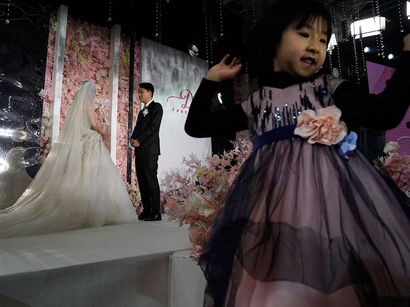 Virus_Outbreak_China_Wedding_Photo_Gallery_06316